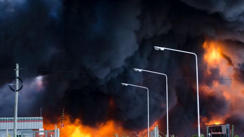 Incendio en la planta de Aceitera Martínez en San Jerónimo
