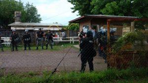 formacion-policial-conflicto-recolectores-cinco