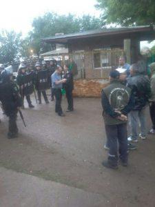 formacion-policial-conflicto-recolectores-cuatro