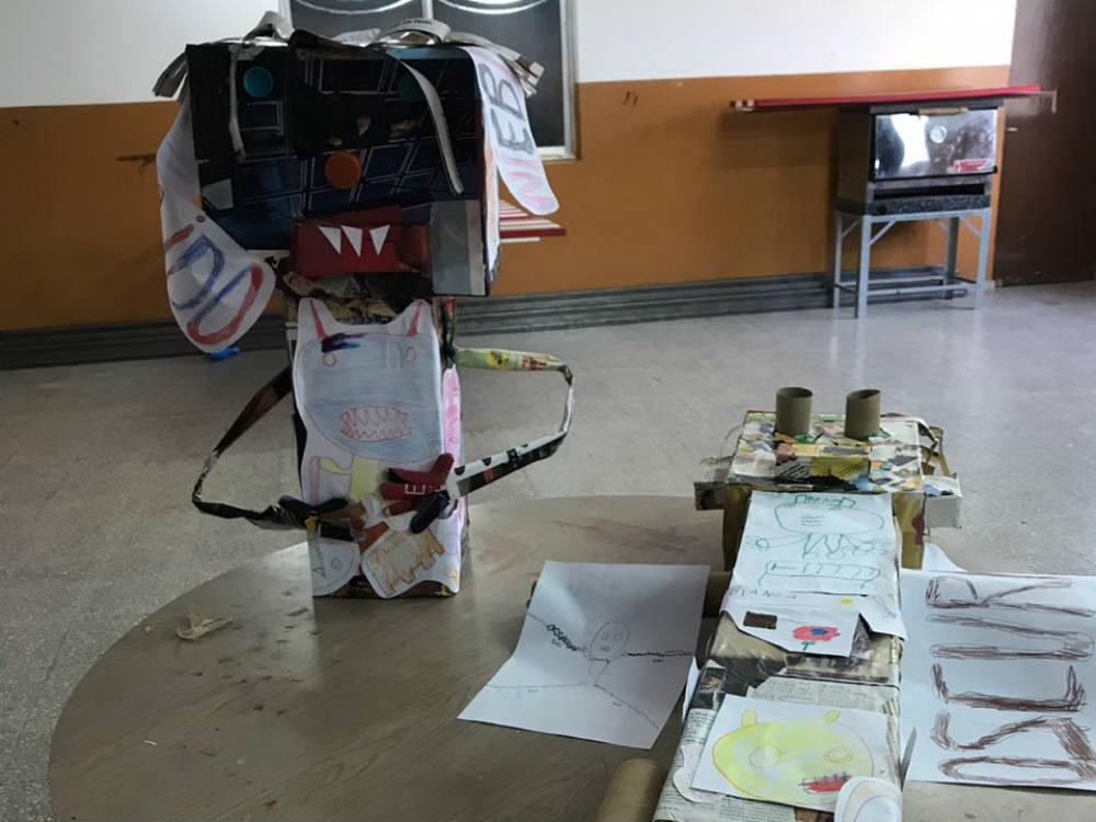 Uno de los muñecos que se quemarán el viernes, confeccionado por los chicos de la escuela Especial.